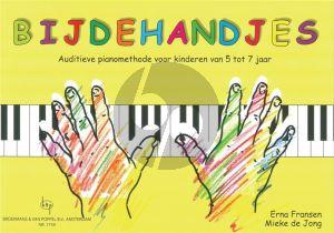 Bijdehandjes (Auditieve pianomethode voor kinderen van 5 tot 7 Jaar met 25 Liedjes en Ritmekaartjes voor klap- en raadspelletjes)